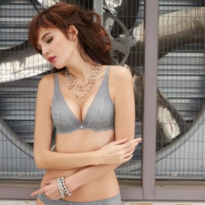 曼黛瑪璉-V極線性感內衣  B-D罩杯(星辰灰)