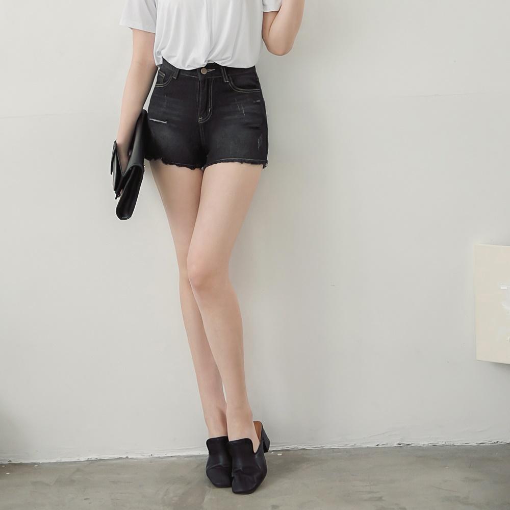 小割破抽鬚造型刷色牛仔短褲-OB嚴選