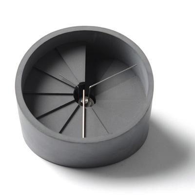 22四度空間水泥桌鐘-銀/108mm