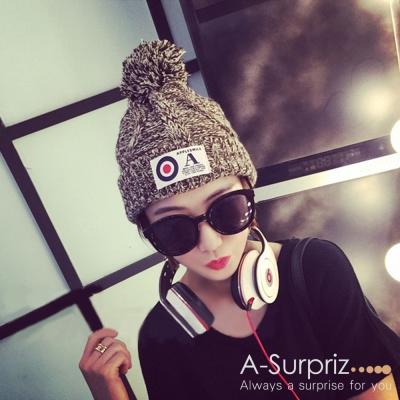 A-Surpriz-OA字母徽章混色編織毛線帽-咖米