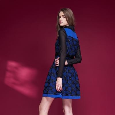 ICHE衣哲 精緻設計款3D蕾絲雕花拼接造型禮服洋裝-藍