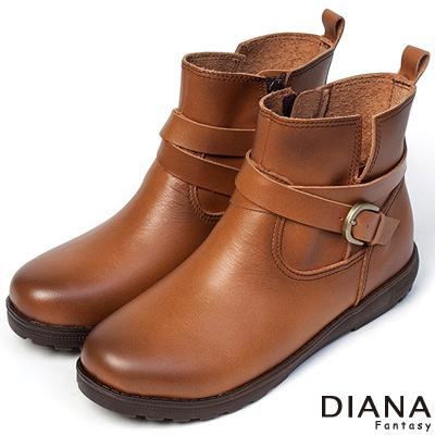 DIANA-經典風雲-復古風情皮帶式牛皮釦環短靴-棕