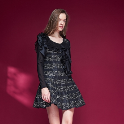 ICHE衣哲 設計款荷葉蛋糕拼接長袖造型禮服洋裝-黑