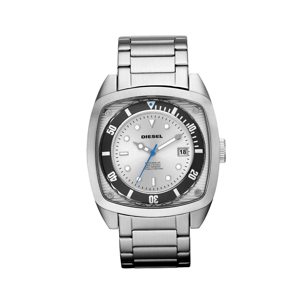 DIESEL 戰異超時空經典腕錶-銀/51.5x44mm
