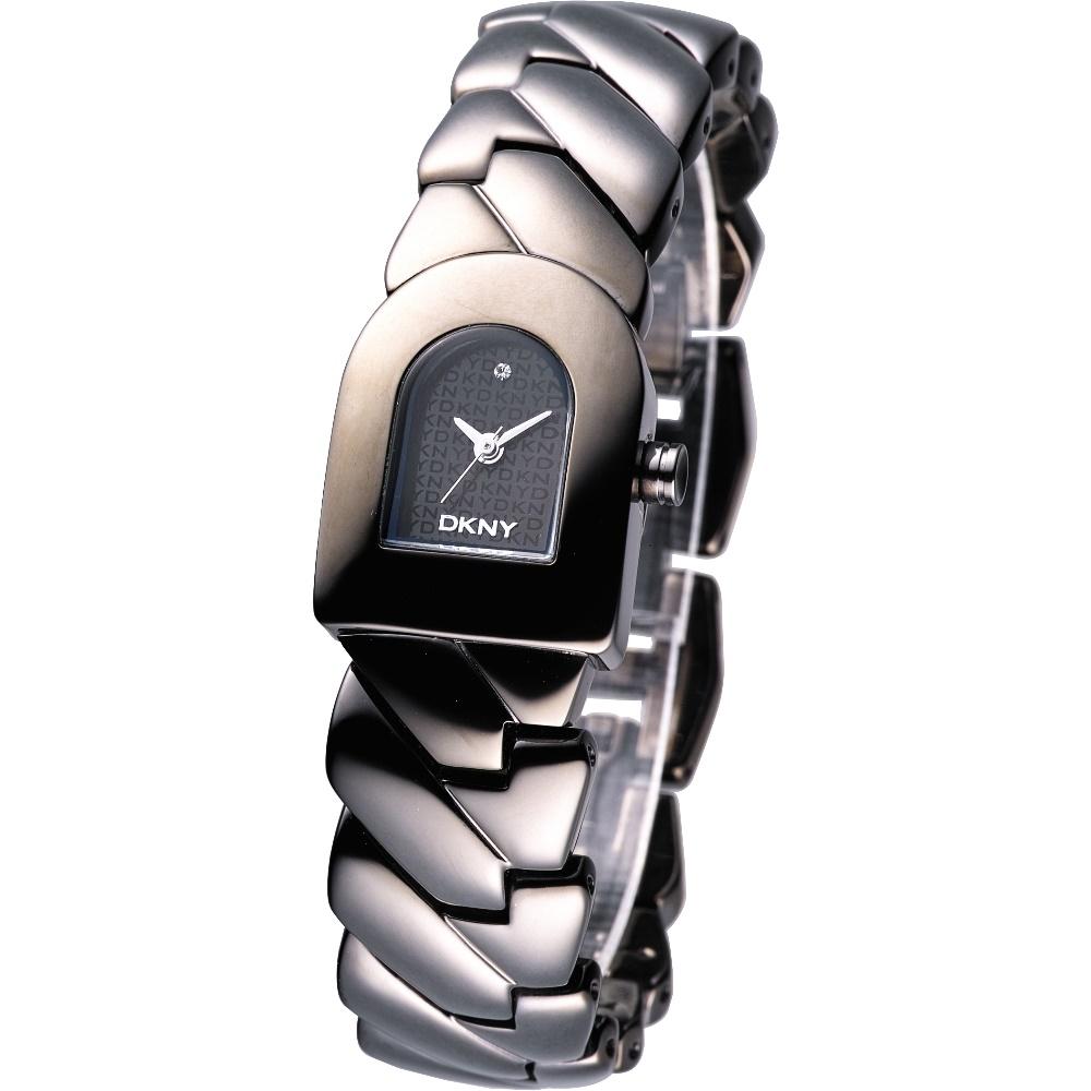 DKNY 經典永恆D字時尚腕錶-黑色/19mm