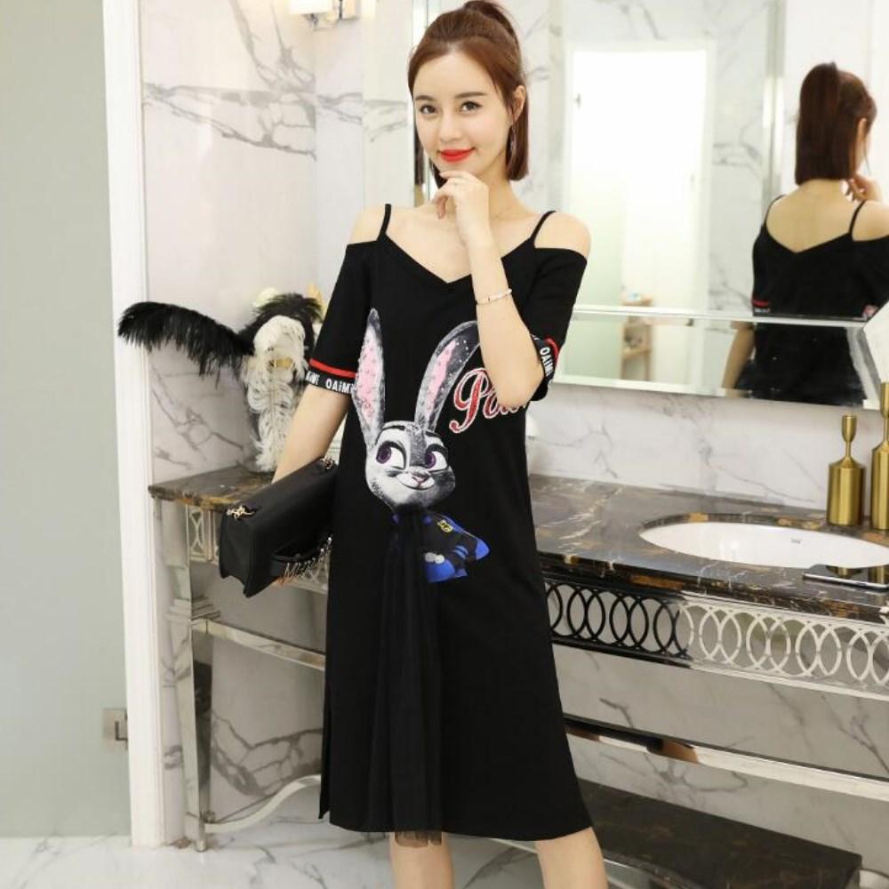 La Belleza露肩吊帶珠釘亮片英文字兔子拼接一片網紗貼布洋裝