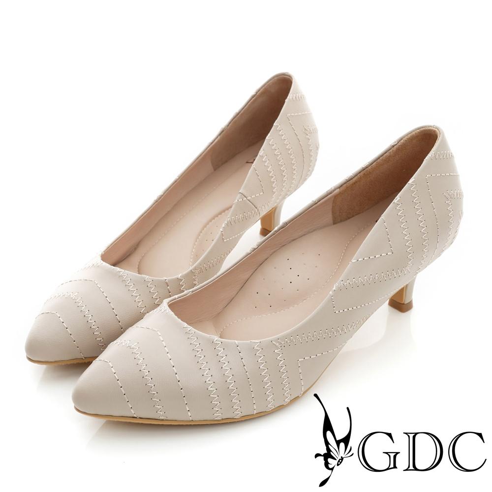 GDC-時尚斜紋縫線裝飾真皮尖頭低跟鞋-裸色