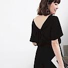 美背設計荷葉袖縮腰連身寬褲-OB大尺碼