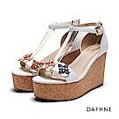 達芙妮DAPHNE 涼鞋-立體拼花工字軟木紋楔型涼鞋-白