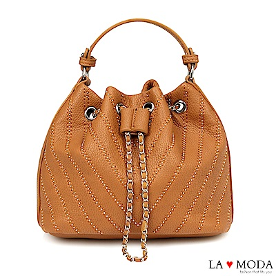 La Moda 率性百搭鉚釘線條束口肩背斜背水桶包(棕)