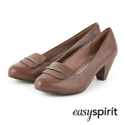 EasySpirit-都會簡約經典舒適低跟鞋-駝色