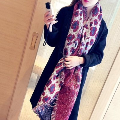 梨花HaNA-冬季狂野動物豹紋斜角披肩圍巾魅紅