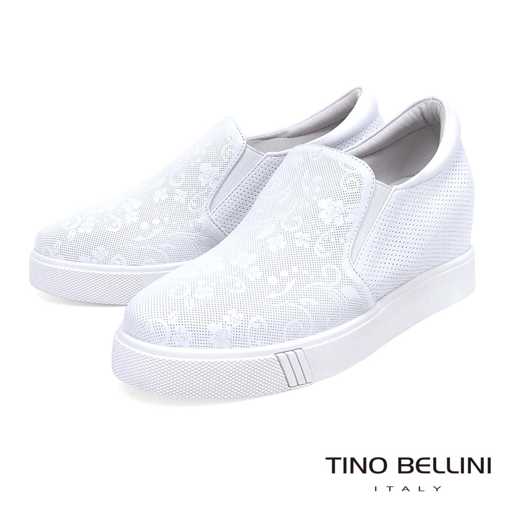 Tino Bellini 真皮壓紋佐細緻花雕圖騰內增高休閒鞋_ 白