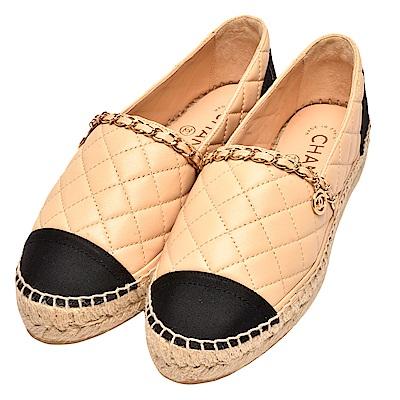 CHANEL 經典鎖鍊飾邊小香LOGO墜飾菱格車紋小羊皮厚底鉛筆鞋(駝X黑)