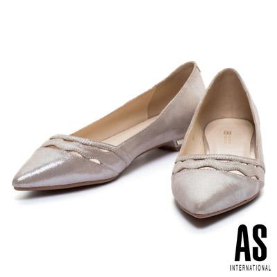 低跟鞋-AS-波浪鏤空羊麂皮尖頭低跟鞋-金