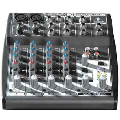 BEHRINGER XENYX 802 八軌混音機