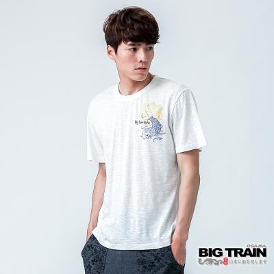BIG TRAIN 鯉魚家徽圓領TEE-男-白