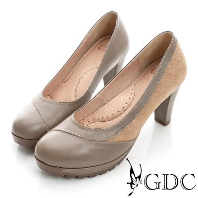 GDC都會-拼接造型防滑厚底真皮中跟鞋-卡其色