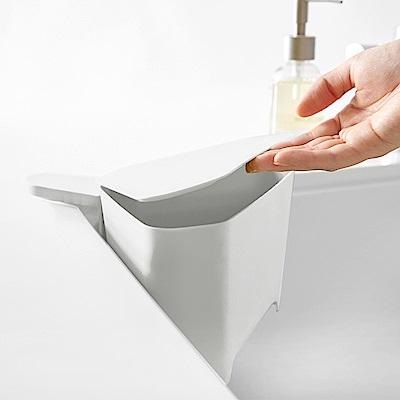 日本 YAMAZAKI-AQUA吸盤式轉角收納桶(白)★廚房收納/小型垃圾桶架/廚餘桶