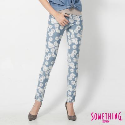 SOMETHING LADIVA花朵合身牛仔褲-女-淺藍色