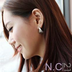 【N.C21】霧面金屬光馬蹄形耳環 (銀色)