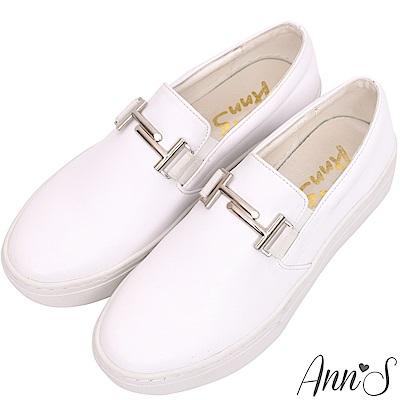 Ann'S名媛休閒-金屬T字釦平底懶人鞋-白