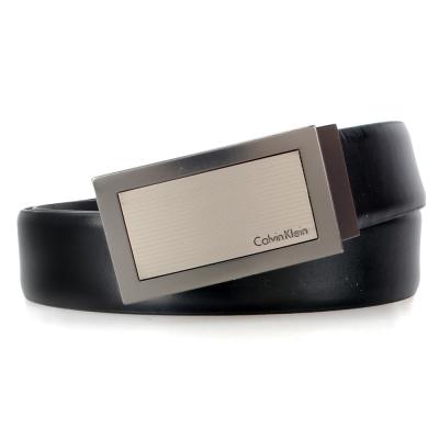 Calvin Klein 橫線紋金屬旋轉亮面雙面雙色皮帶-黑/咖啡