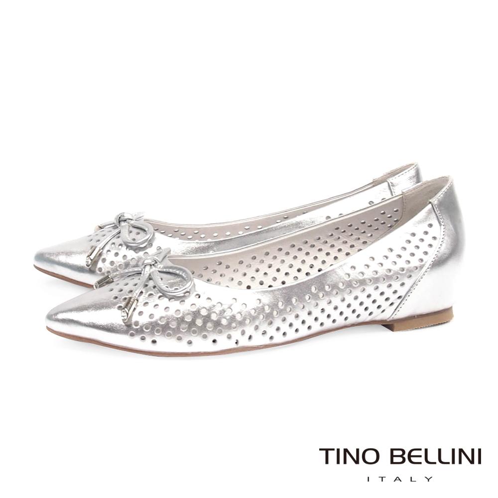 Tino Bellini 典雅沖孔心機3CM內增高娃娃鞋_銀