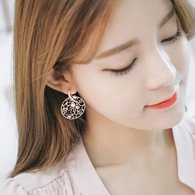 梨花HaNA-韓國925銀鏤空灰白珍珠星鑽圓飾耳環