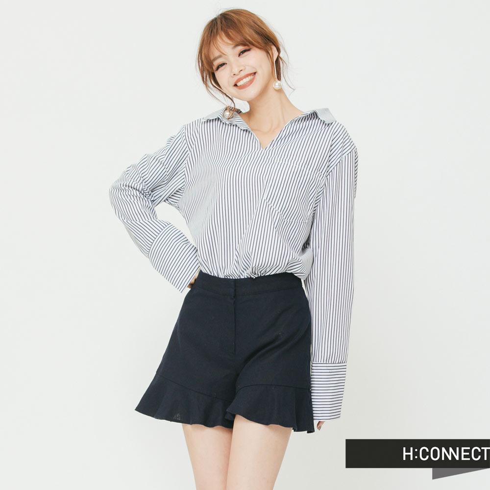 H:CONNECT韓國品牌女裝-圓環露背條紋襯衫