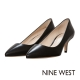 NINE-WEST-經典質感真皮低跟尖頭鞋-優雅黑