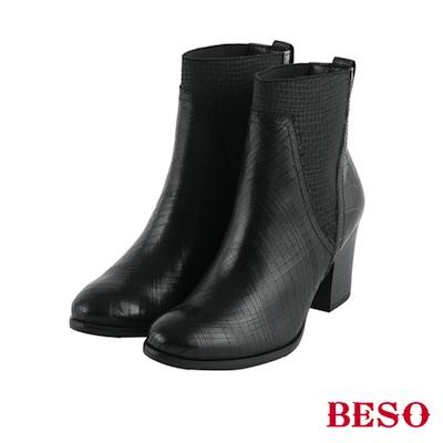 BESO前衛風範 鬆緊帶拼接粗跟短靴~黑