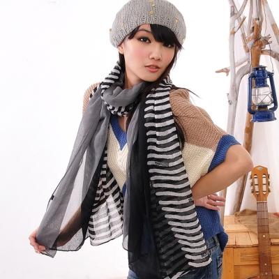 Aimee Toff 質透紗條紋復古香眷圍巾(黑)