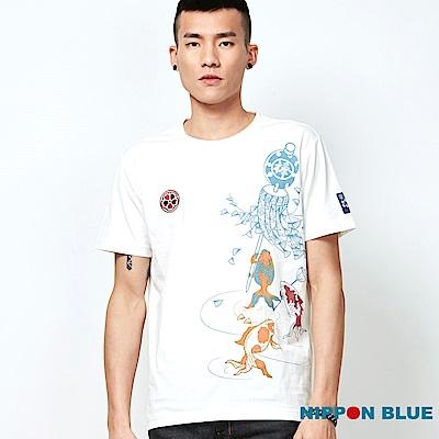 日本藍 BLUE WAY 風吹幡動金魚舉幡印花短TEE-本白