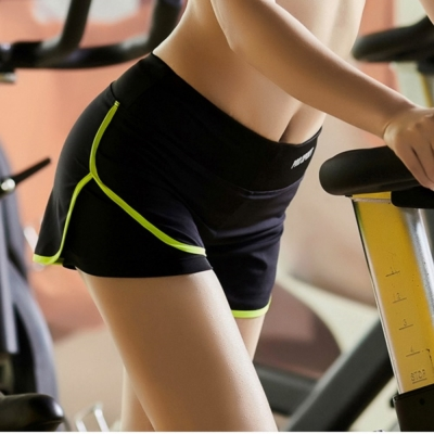 La Belleza假兩件含內襯防走光瑜伽跑步馬拉松滾邊運動短褲