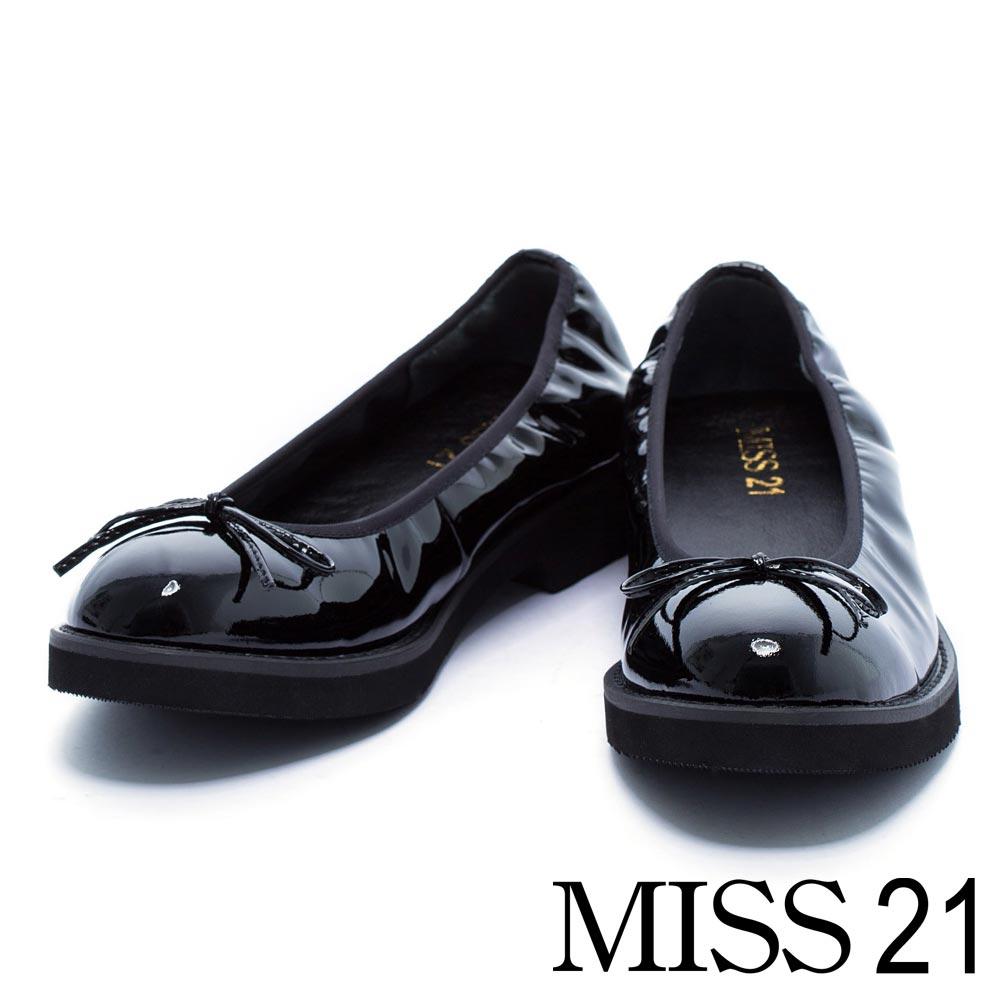 跟鞋 MISS 21 復古小蝴蝶結漆皮鬆緊帶低跟娃娃鞋-黑