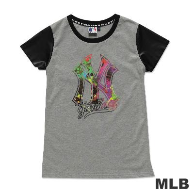 MLB-紐約洋基隊皮袖圓領絢彩印花T恤-麻灰(女)
