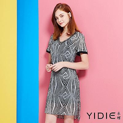 YIDIE衣蝶-幾何圖紋雙口袋V領洋裝