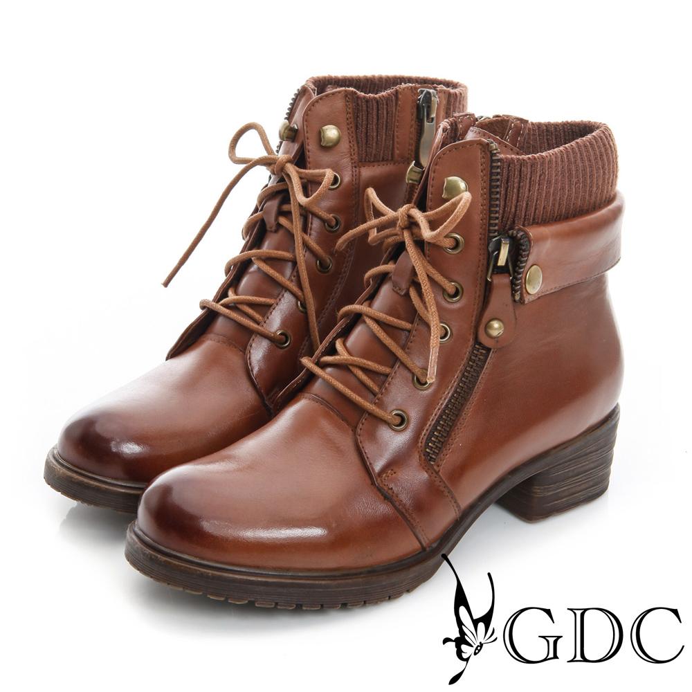 GDC個性-率性軍風雙拉鍊繫帶真皮中筒靴-棕色