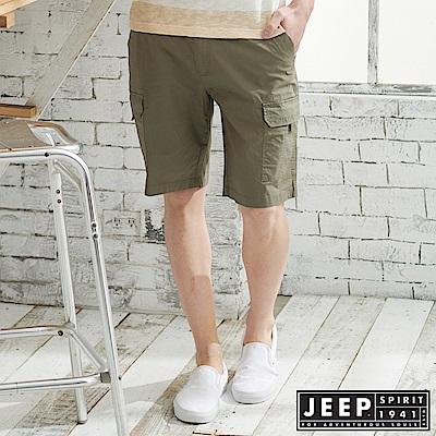 JEEP 時尚造型口袋休閒短褲-軍綠