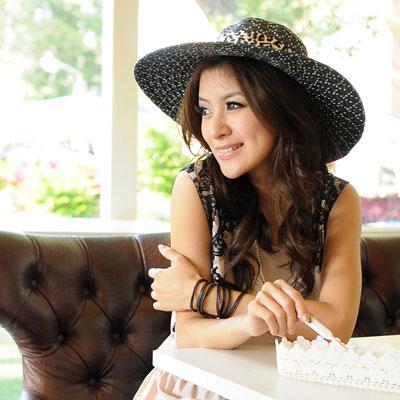 【Aimee Toff】豹紋絲緞質感抗曬遮陽帽(黑)