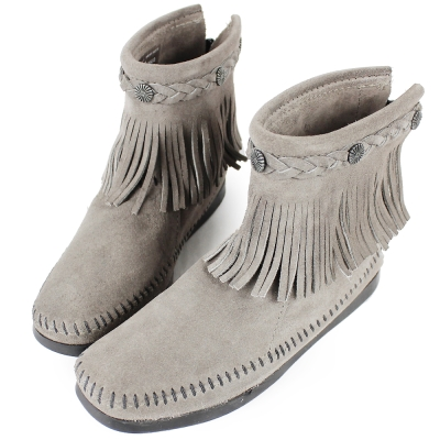 MINNETONKA 灰色麂皮後拉鍊流蘇莫卡辛短靴 女鞋 (展示品)