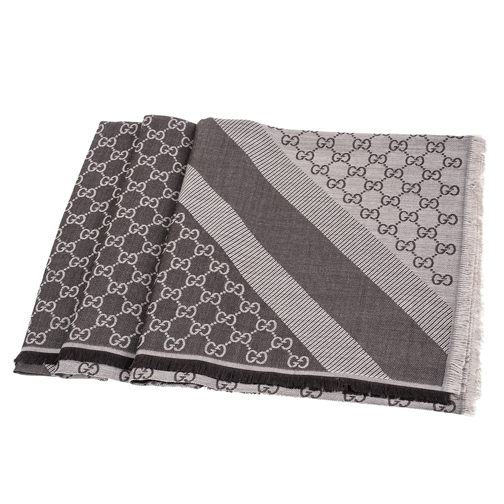 GUCCI 經典GG緹花線條羊毛混絲斜紋雙色流蘇披巾/圍巾(深咖啡)GUCCI