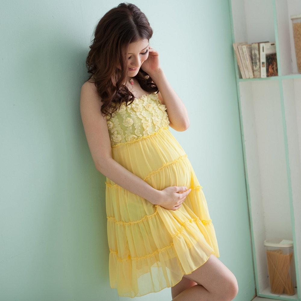 【Keep Chic孕婦裝】黃色平口壓花細肩帶孕婦洋裝