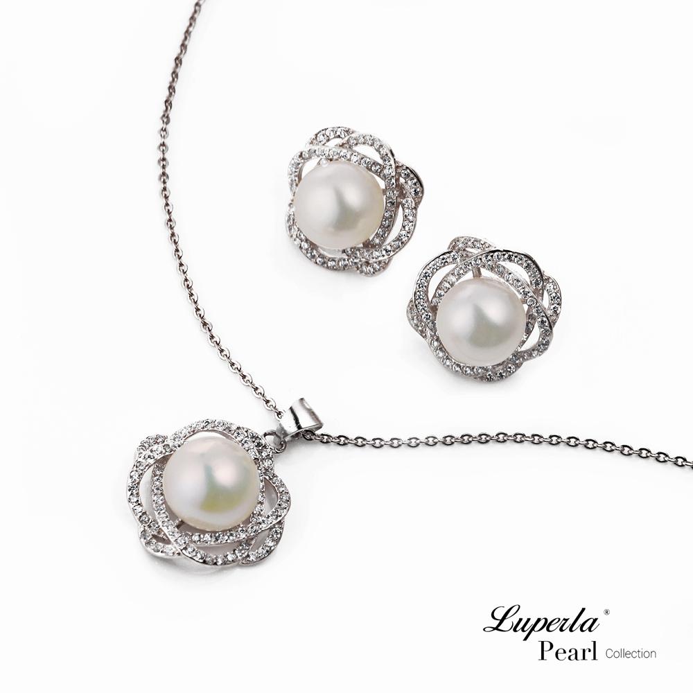 大東山珠寶 珍珠項鍊耳環套組 花之獻禮鑲鑽