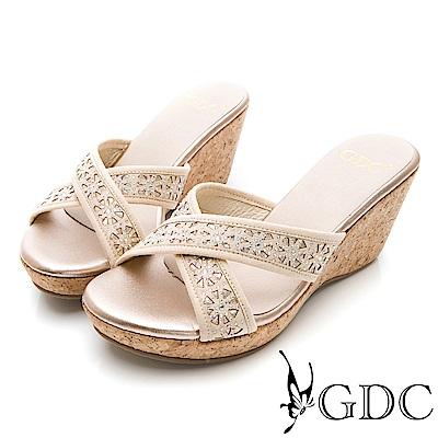 GDC-交叉水鑽楔型木頭質感鞋底拖鞋-金色