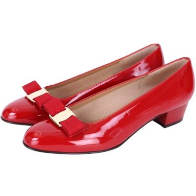 Salvatore Ferragamo VARA 紅色蝴蝶結漆皮粗跟鞋(展示品)