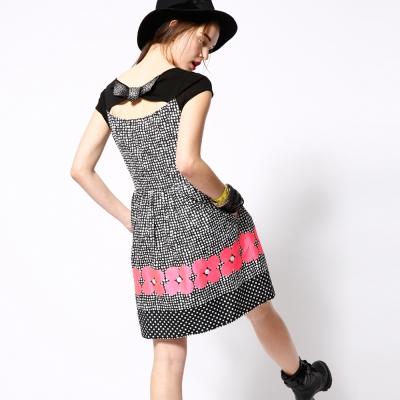ICHE 衣哲 黑白點點印花蝴蝶結造型洋裝