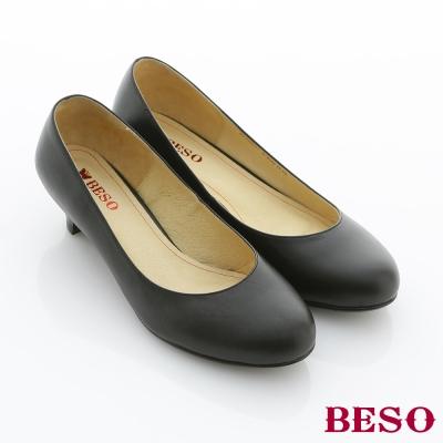 BESO都會職人-辦公室必備素面低跟包鞋-霧面黑