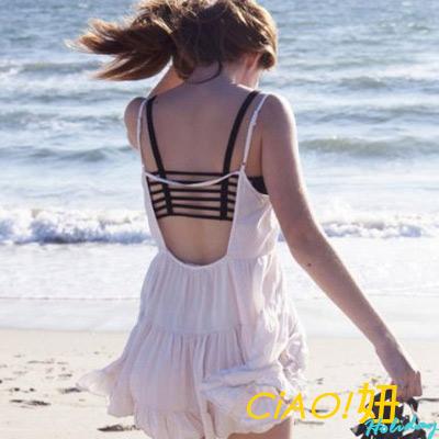 線條式縷空露背附胸墊背心 (共二色)-CIAO Holiday